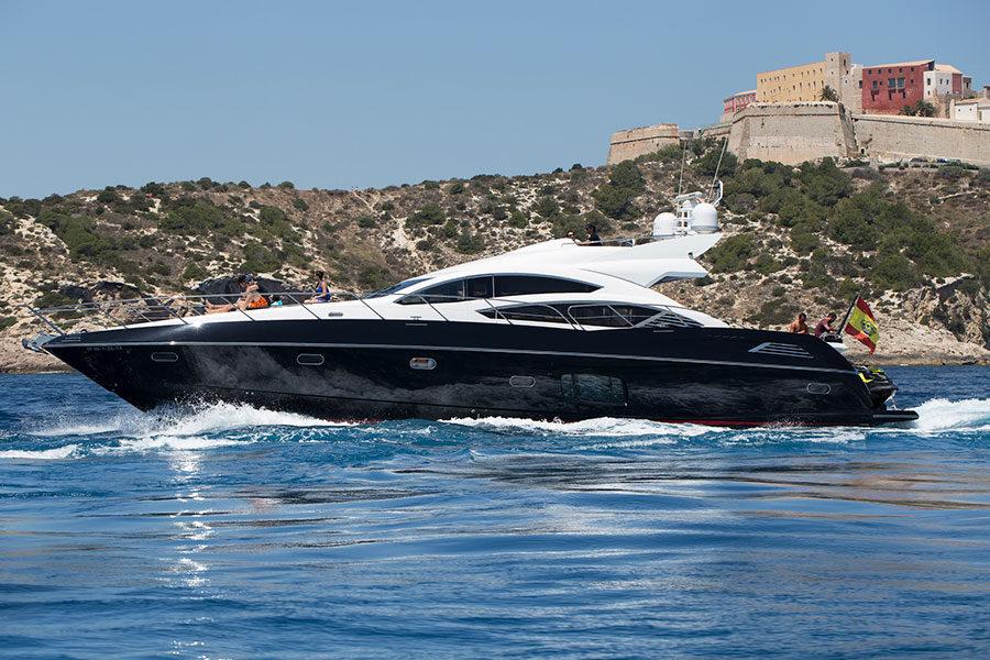 boat-renting-ibiza-black-jax-03