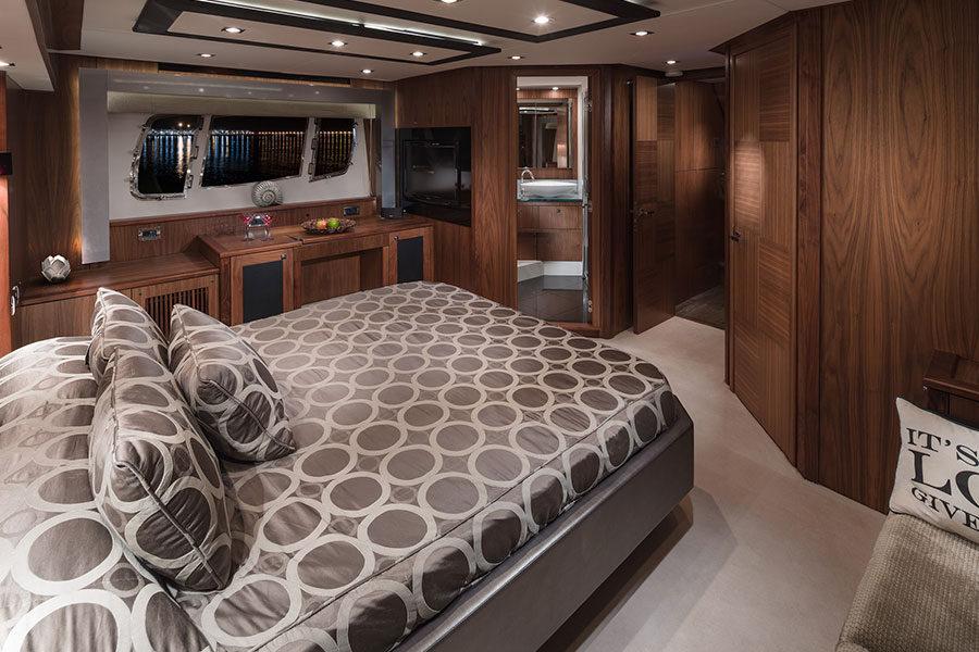boat-renting-ibiza-black-jax-05