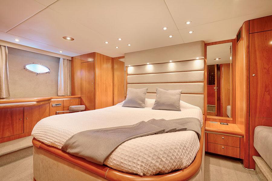 boat-renting-ibiza-predator-68-06