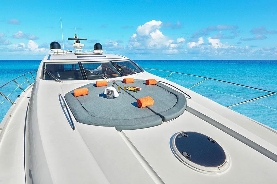 boat-renting-ibiza-predator-72-boy-toy-03