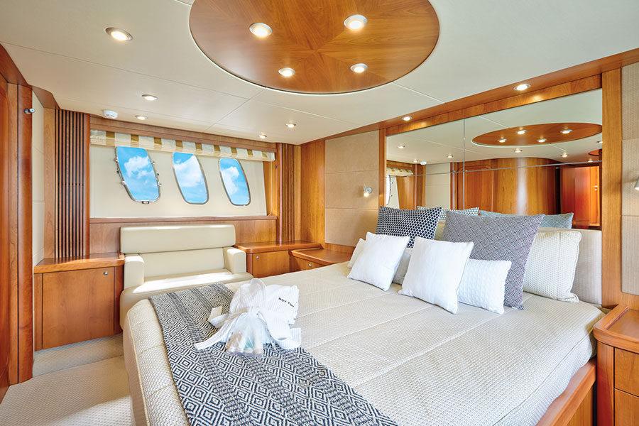 boat-renting-ibiza-predator-72-boy-toy-04