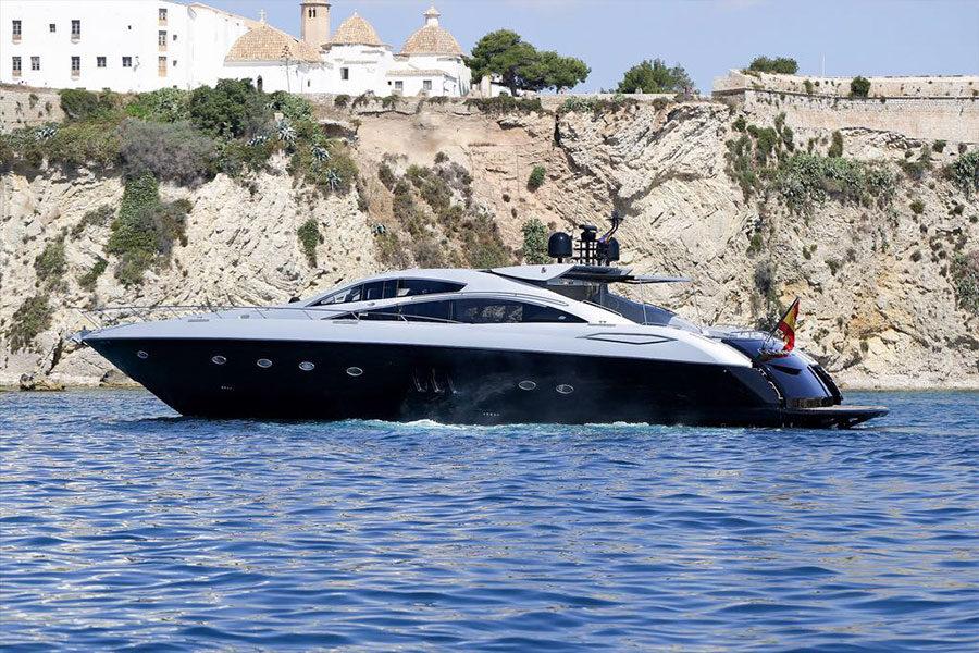 boat-renting-ibiza-predator-82-georgia-01