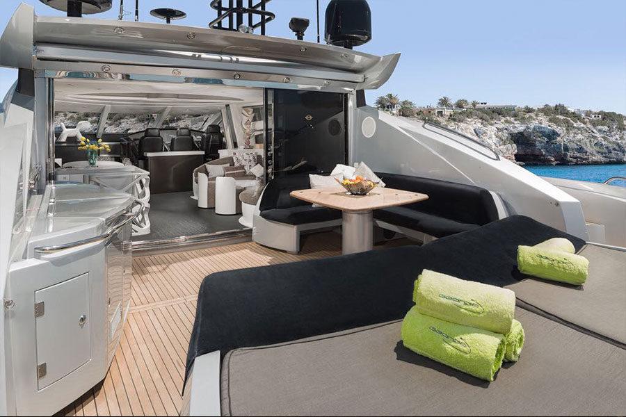 boat-renting-ibiza-predator-82-georgia-04