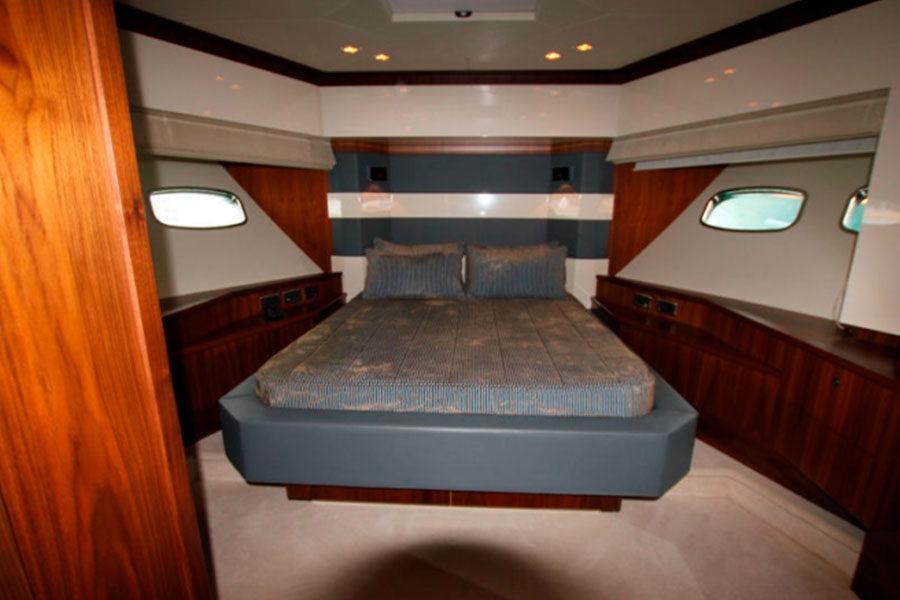 boat-renting-ibiza-sunseeker-92-predator-um7-03