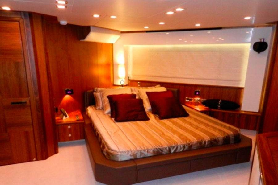 boat-renting-ibiza-sunseeker-92-predator-um7-05