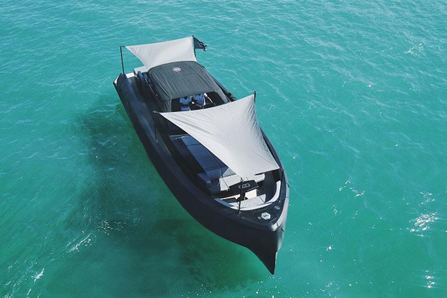 boat-renting-ibiza-vanquish-vq43-balr-edition-01