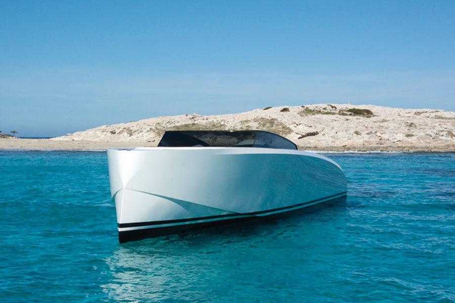 boat-renting-ibiza-vanquish-vq43-dutchess-06