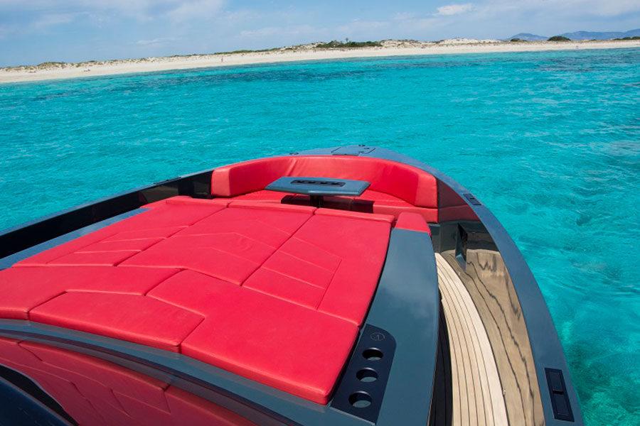 boat-renting-ibiza-vanquish-vq48-lady-thunder-04