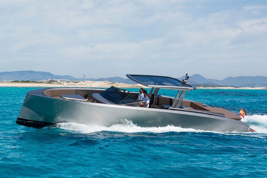 boat-renting-ibiza-vanquish-vq48dc-atlantis-01