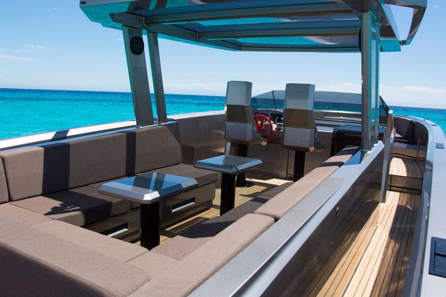 boat-renting-ibiza-vanquish-vq48dc-atlantis-02