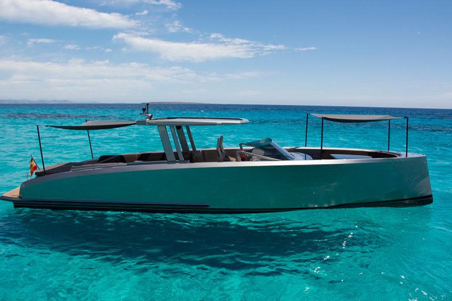 boat-renting-ibiza-vanquish-vq48dc-atlantis-04