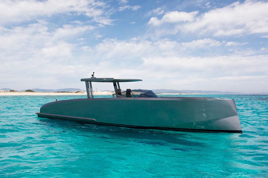 boat-renting-ibiza-vanquish-vq48dc-atlantis-05