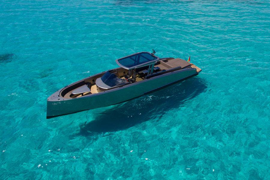 boat-renting-ibiza-vanquish-vq48dc-atlantis-07