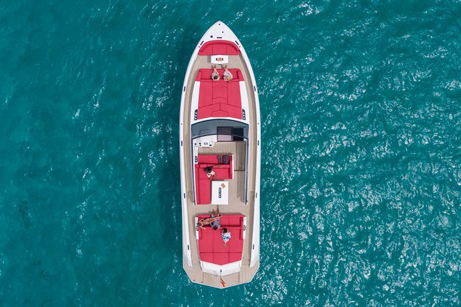 boat-renting-ibiza-vanquish-vq54-diva-01