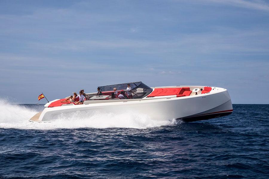 boat-renting-ibiza-vanquish-vq54-diva-02