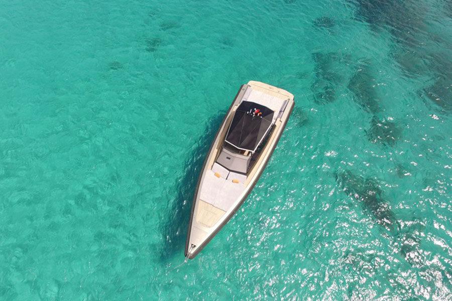 boat-renting-ibiza-wally-47-03