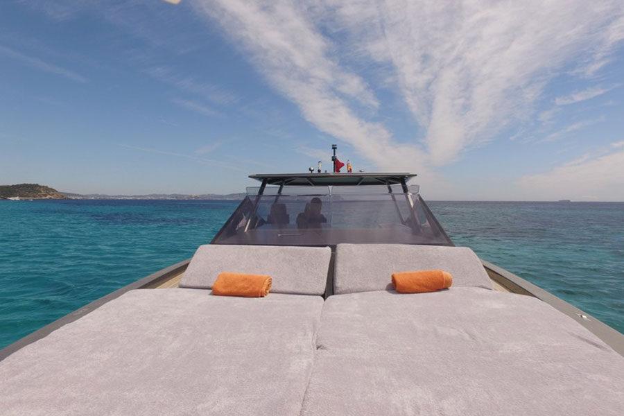 boat-renting-ibiza-wally-47-05