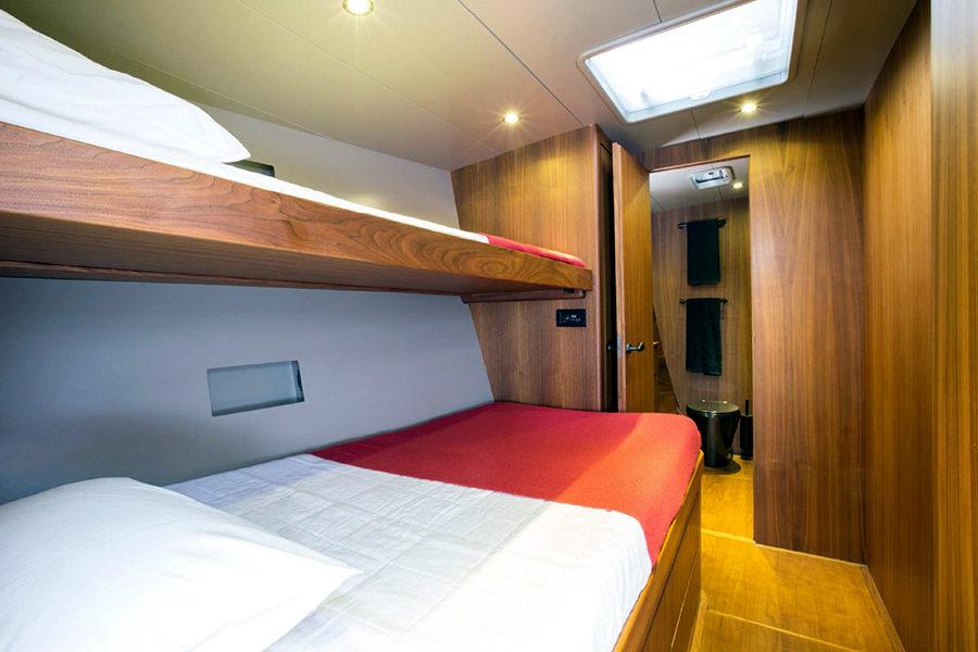 boat-renting-ibiza-sailboat-north-wind-72-sixteen-tons-5