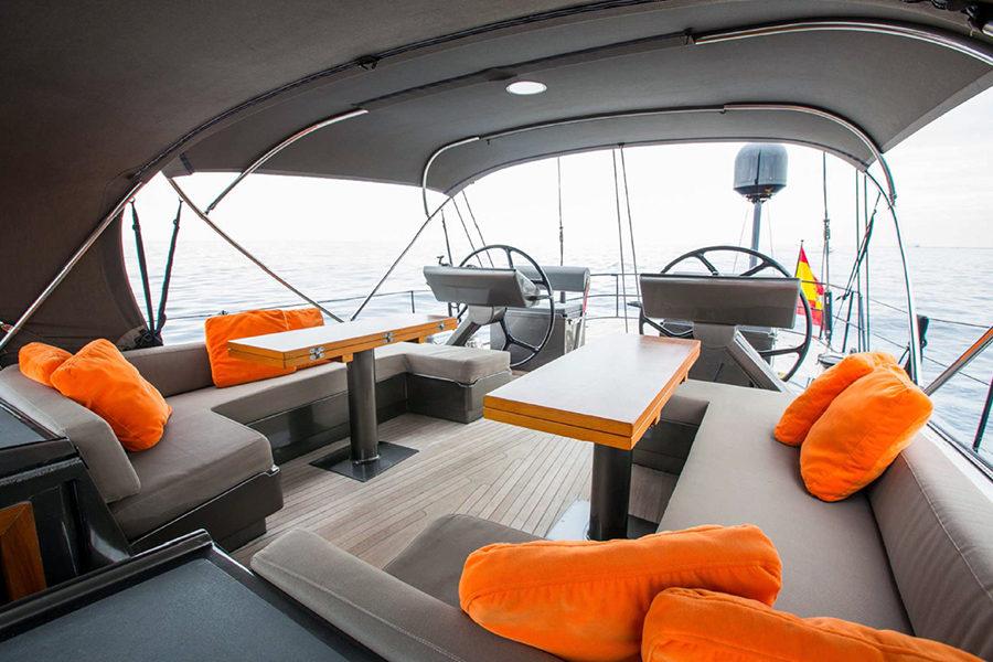 boat-renting-ibiza-sailboat-north-wind-72-sixteen-tons-7
