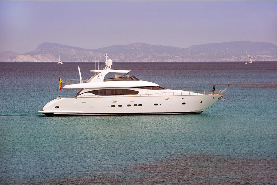 boat-renting-ibiza-superyacht-maiora-24s-lex-0