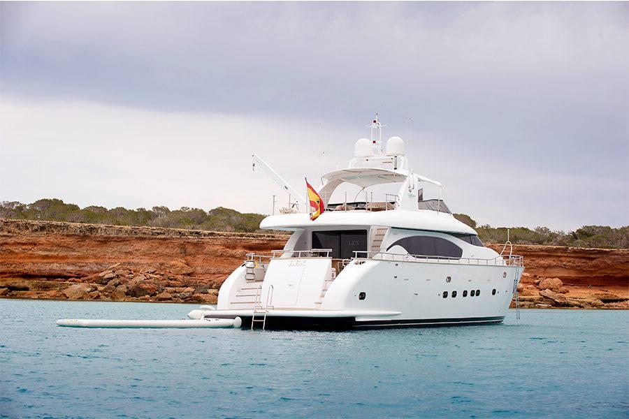 boat-renting-ibiza-superyacht-maiora-24s-lex-1