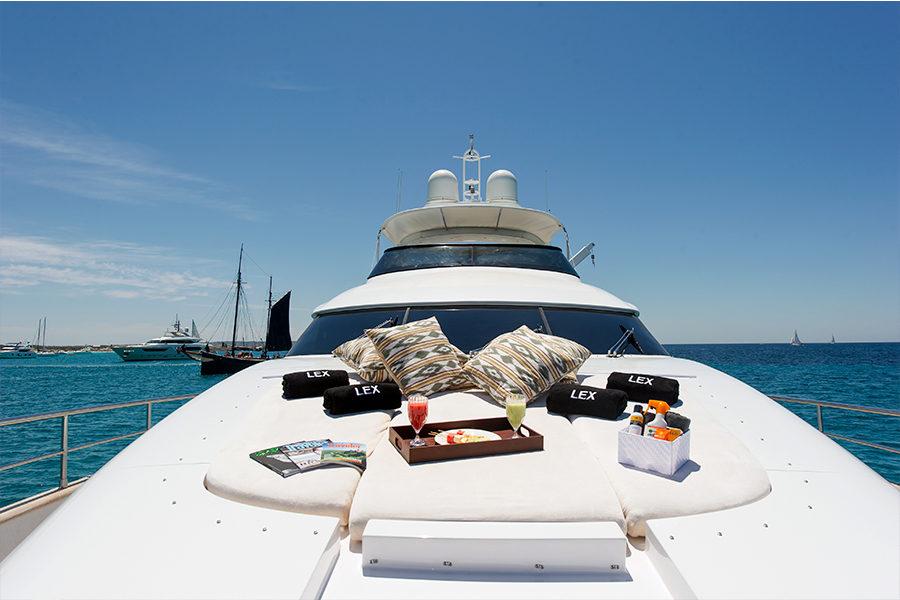 boat-renting-ibiza-superyacht-maiora-24s-lex-3