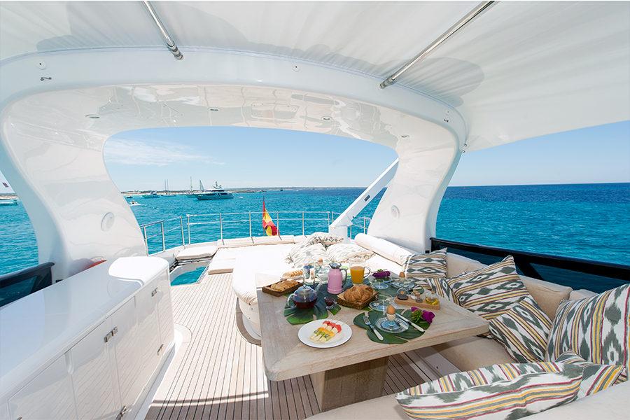 boat-renting-ibiza-superyacht-maiora-24s-lex-4