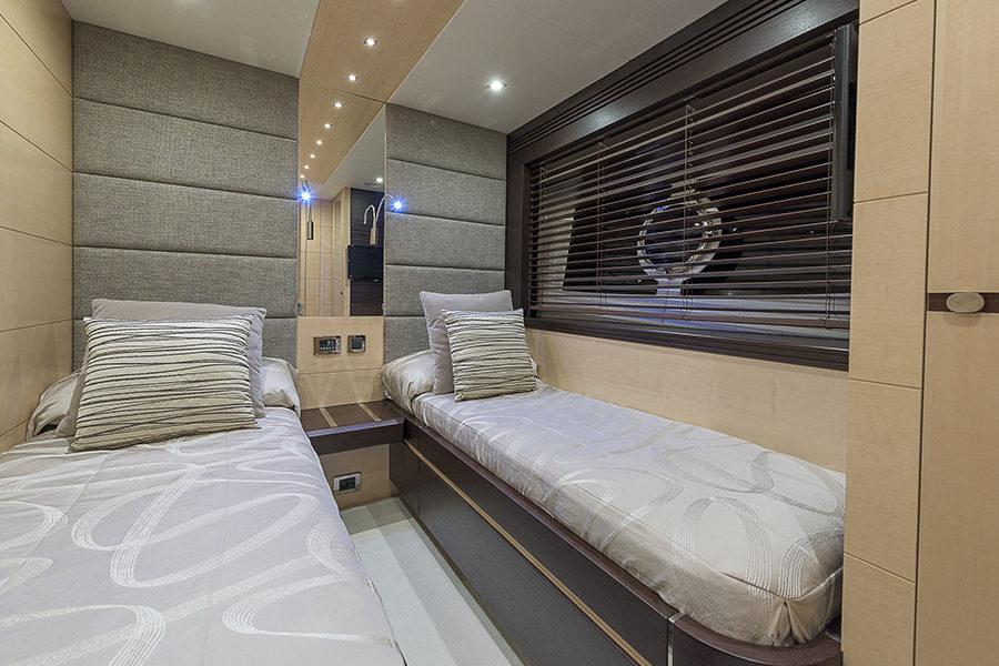 boat-renting-ibiza-superyacht-sunseeker-80-sport-yacht-seawater-7