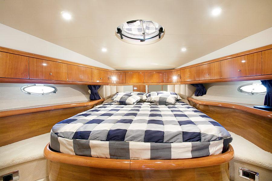 boat-renting-ibiza-superyacht-sunseeker-camargue-50-nueva-casimira-4