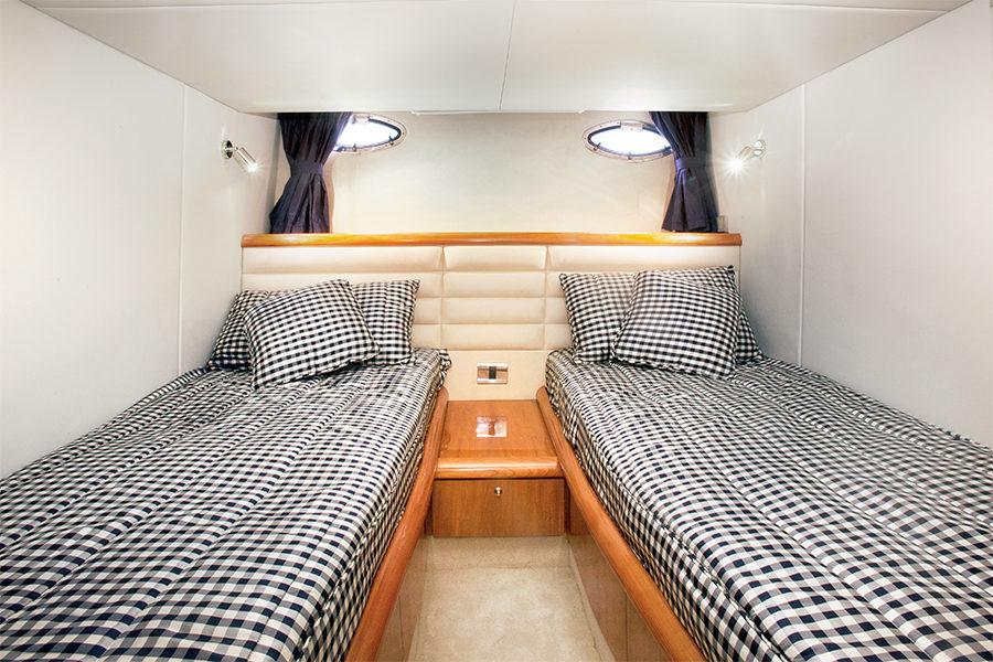 boat-renting-ibiza-superyacht-sunseeker-camargue-50-nueva-casimira-5