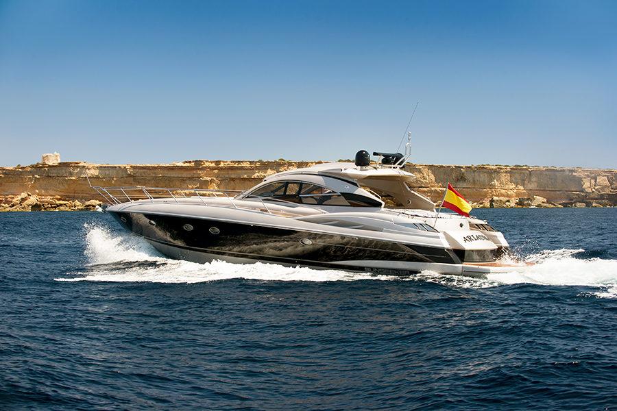 boat-renting-ibiza-superyacht-sunseeker-predator-61-ariadna-2
