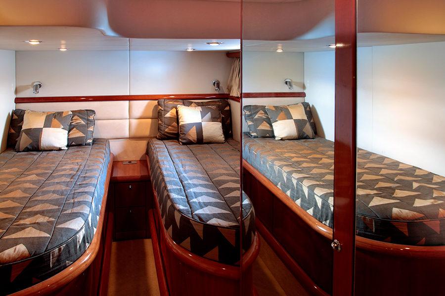 boat-renting-ibiza-superyacht-sunseeker-predator-61-ariadna-5