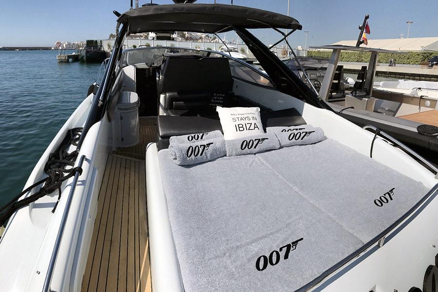 boat-renting-ibiza-superyacht-sunseeker-superhawk-48-007-5