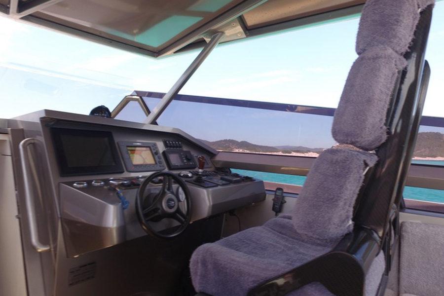 boat-renting-ibiza-wally-power-01b