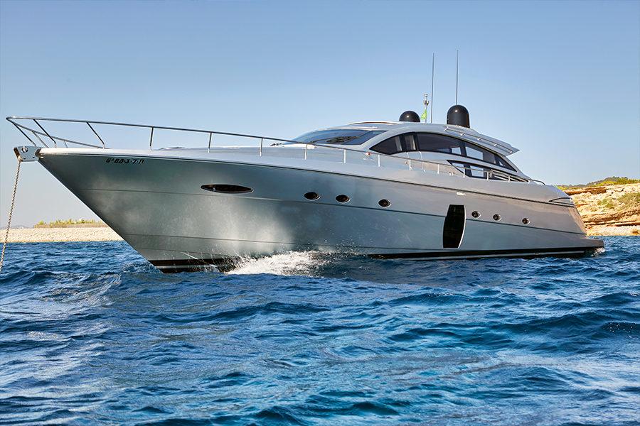 boat-renting-ibiza-yacht-Pershing-72-Legendary-0