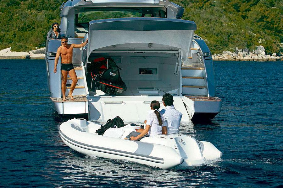 boat-renting-ibiza-yacht-Pershing-72-Legendary-2