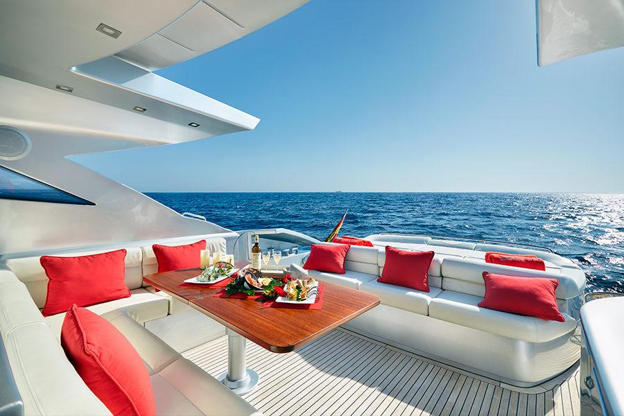 boat-renting-ibiza-yacht-Pershing-72-Legendary-3