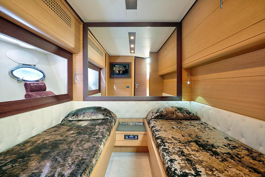 boat-renting-ibiza-yacht-Pershing-72-Legendary-5