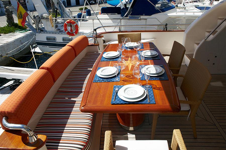 boat-renting-ibiza-yachts-astondoa-72-dolce-vita-1