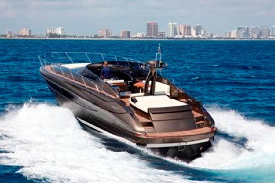 boat-renting-ibiza-yacht-invictus-02