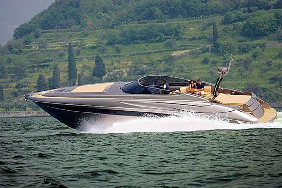 boat-renting-ibiza-yacht-invictus-03