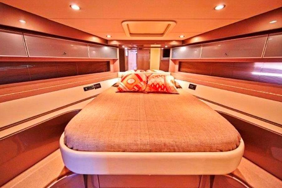boat-renting-ibiza-yacht-invictus-05